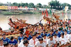 ประเพณีไทย ประเพณีแข่งเรือเมืองน่าน