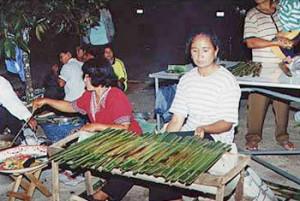 ประเพณีไทย ประเพณีให้ทานไฟ